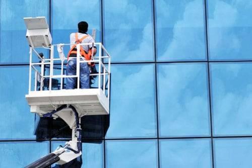 Entreprise de nettoyage vitre Paris - stranett services .jpg